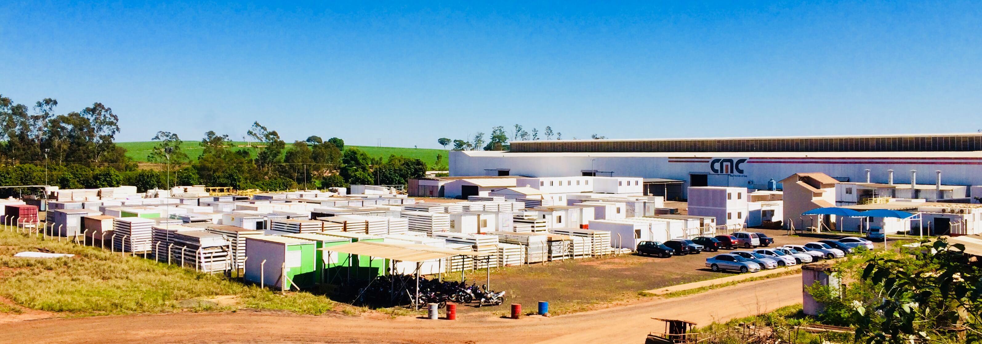Fábrica da Lafaete em Mirassol, SP, toda realizada em containers